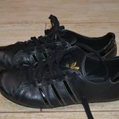 Adidas 36р кроссовки кожаные. Оригинал