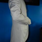 Костюм мужской Турция. 48р. Одевался один раз . пояс в подарок