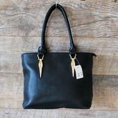 Красивая строгая черная женская сумка из кожзаменителя купить недорого