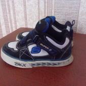 кросівки Skechers 22-23 розміру
