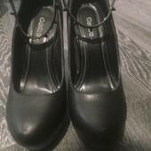 Оригинальные туфли на танкетке с шипами, 37,5