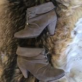 Демі ботинки із натуральної замнші,від River Island,розмір 37,стелька 23,5