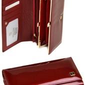 Женский кожаный кошелек Bretton с визитницей лаковый Разные модели