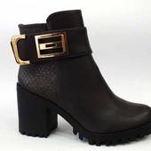 Модные демисезонные ботиночки на среднем каблуке. Цена СП