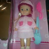 Красивая кукла, куколка с аксессуарами