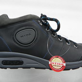 Кожаные демисезонные кроссовки 42 разм