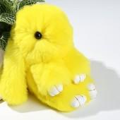 Меховой брелок Кролик желтый