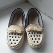 Продам весенние туфельки