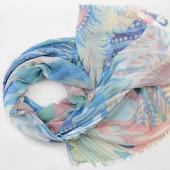 Красивые объемные шарфы,нежные расцветки.