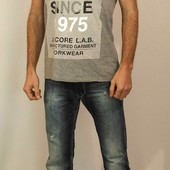 889 Серая футболка J&J