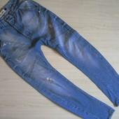 Мужские джинсы- бойфренды Размер L. очень хорошего качества.