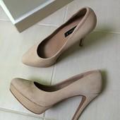 Продам замшевые туфли Mango