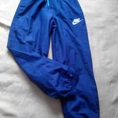 Спортивные подростковые штаны Nike оригинал на 10-12лет.