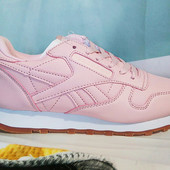 Кроссовки женские Reebok Classics light pink