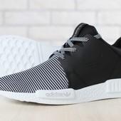 Мужские кроссовки, черные, на белой подошве, из натуральной кожи, с текстильными вставками черно-бел