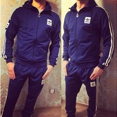 Спортивный костюм Adidas шеврон