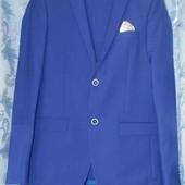 Новий! Очень стильный мужской костюм! 48 размер
