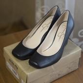 Новые кожаные туфли Jessica Simpson
