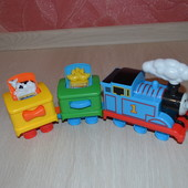 Fisher-Price my first Thomas & friends паровозик Томас с прицепом