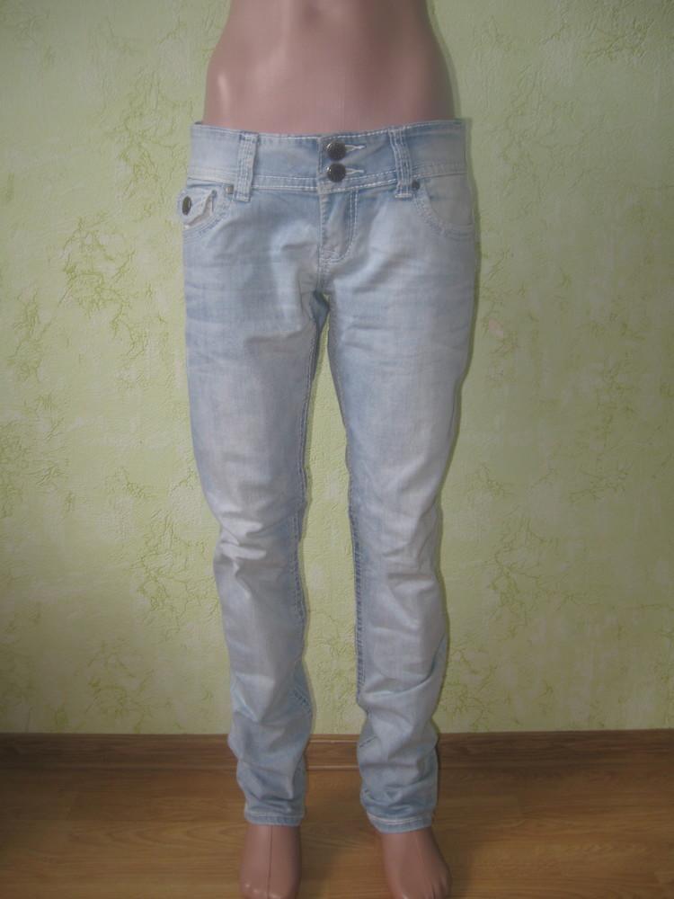 Стильные брендовые джинсы фото №1