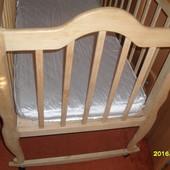 Детская кроватка самодельная с матрасом