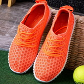 Яркие легкие женские кроссовки
