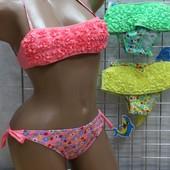 Дитячі / підліткові купальники Розочки (6-16 років), є 3 кольори
