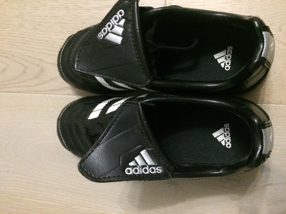 Бутси сороконожки (копочки, бутсы) adidas 31.5 р. стелька 19.5 см. оригінал фото №3