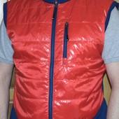 Спортивная фирменная курточка жилетка  Crane (Крейн)л-хл .