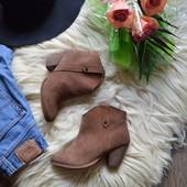 Крутые ботинки-ковбойки натуральный замш River Island ,р-р 38