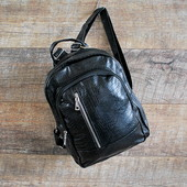 Практичный черный городской женский рюкзак недорого