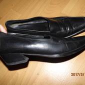 (№і775)фирменные кожаные туфли 38,5 р Geox