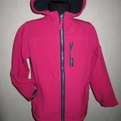 На 6-8 лет Яркая куртка SoftShell от Tog24 девочке
