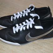 Nike 38.5-38р кроссовки кожаные Оригинал