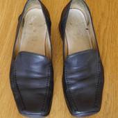 Туфлі шкіряні розмір 5 1/2 на 39 стелька 26 см Clarks