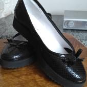 Кожаные туфли angelina 38р.