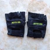 Мужские кожаные митенки размер S