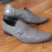 Лакированные туфли Strado 42/43 29см стелька в отличном состоянии!!!