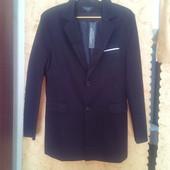 Продам  удлиненный приталенный пиджак на подростка