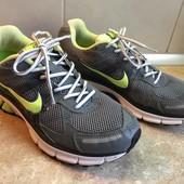 Кроссовки Nike оригинал размер 43 по стельке 28см , отл.сост.