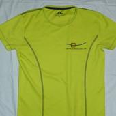 Яркая спортивная футболка,р-р М,на невысокий рост,сток