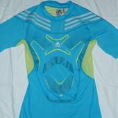 Adidas тренировочная футболка,р-р М,оригинал в идеальном состоянии