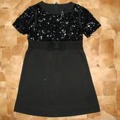 Стильное платье Next 8 лет  состояние отличное  ткань:68% полестер,30% натур.вискоза,2% элостан  дли