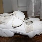 Летние кроссовки,кеды Nike 29,5разм. 18,3 см. по стельке.Кожа.Оригинал