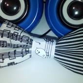 черно-бела, музыкальная бабочка