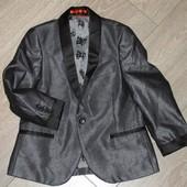 Крутой пиджак на 4 года (104см). Фирма Некст. Новый.
