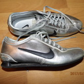 i0061)фирменные кожаные кроссовки 36 р Nike