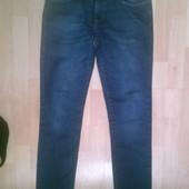 Фирменные джинсы M