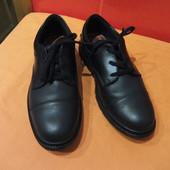 Туфли подростковые Clarks (Bootleg) р.39 (5,5 G) Индия; натуральная кожа;