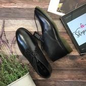 Мужские ботинки чукка Red Tape с гладким верхом и литой подошвой  SH2752